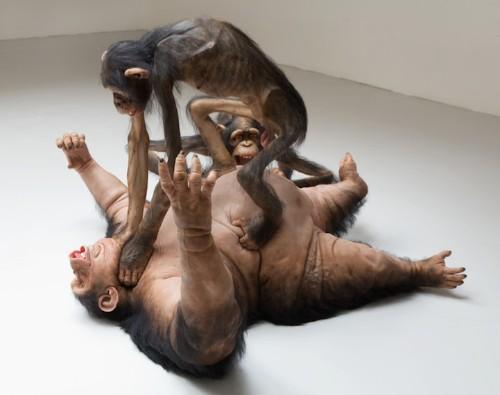 Amazing Hyperrealistic Sculpture of Brawling Monkeys