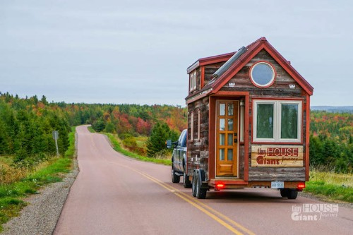 Adventurous Couple Quit Their Jobs and Built a Tiny Mobile House to Travel Across the Country