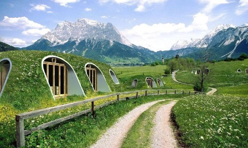 "Eco-friendly ""Hobbit Hole"" Homes Can Be Built in 3 Days"