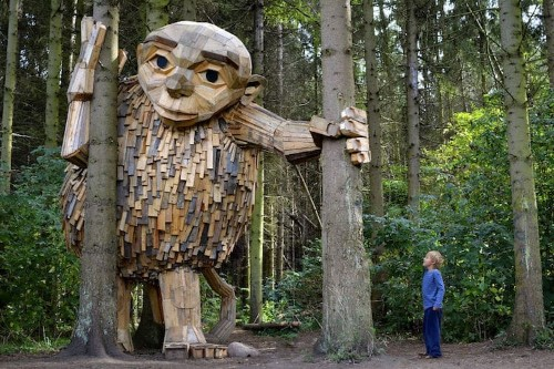 Artist Creates Giant Wood Sculptures and Hides Them in Copenhagen Forests