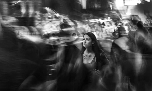 Photographer Visualizes Hearing Loss as Artistically Blurred Street Photography