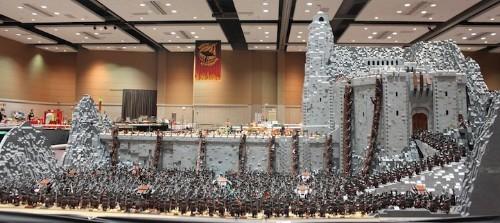 Mind-Blowing LEGO Recreation of LOTR's Helm's Deep Battle