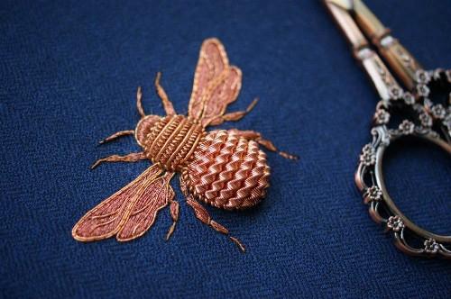 Hermosos bordados 3D están inspirados en criaturas de la naturaleza
