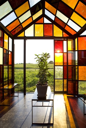 162 Dazzling Windows Formed Out of Caramelized Sugar