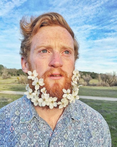 Guys Are Decorating Their Beards with Flowers to Celebrate Spring's Arrival