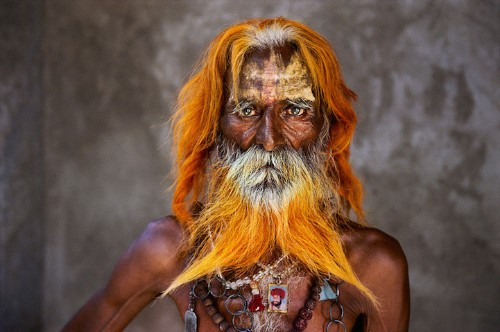 Steve McCurry Retrospective Presents 150 Striking Portraits of People and Cultures Around the World