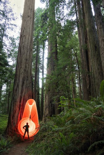 Adventurous Couple Uses LED Hula Hoop to Electrify Grandiose Natural Landscapes