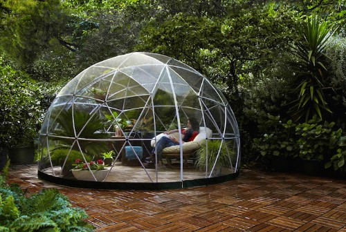 "Transparent ""Igloo"" Offers Sanctuary to Enjoy Your Garden Year-Round"