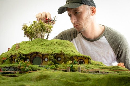 Photographer Recreates Movie Scenes as Incredibly Detailed Models