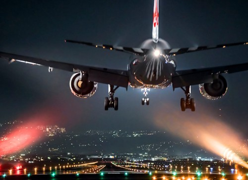 Glittering Nighttime Photos of Airplanes Highlight the Majestic Beauty of Flight