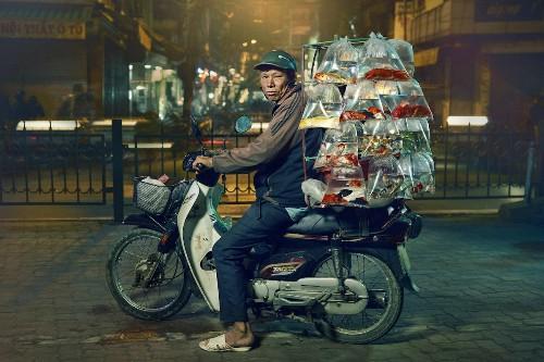 Interview: Photographer Captures Vast and Unusual Motorbike Cargo of Hanoi, Vietnam