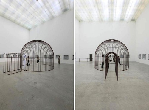 Rotating Mirror in Human Birdcage Alters Perception of Space