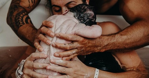 Amazing Winners of Birth Photography Contest Celebrate the Stories of Every Family's Childbirth
