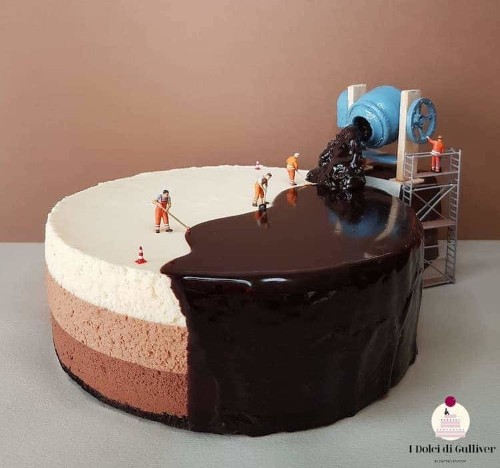 Brilliant Food Artist Turns Boring Cakes into Imaginative Miniature Scenes of Life