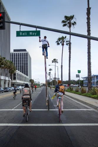 Amazing Two-Story Bike Strolls Through Los Angeles