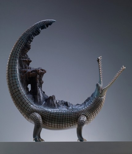 Surreal Sculptures of Animals Carrying the Weight of the World on Their Backs