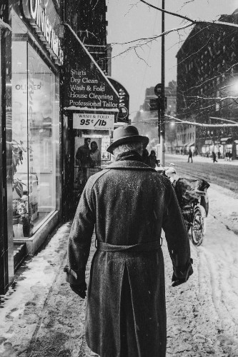Photographer Captures the Gritty Spirit of New York in Candid, Black and White Photos