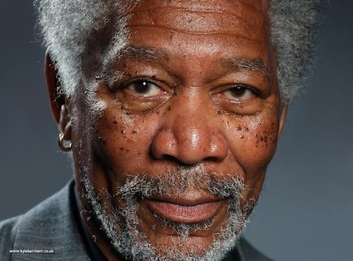 285,000 Finger-Painting Strokes on iPad Forms Realistic Portrait of Morgan Freeman