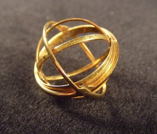These 400-Year-Old Rings Unfold to Reveal Astronomical Spheres