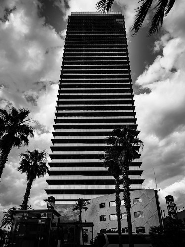 Stunning Black and White Photography of Global Architecture