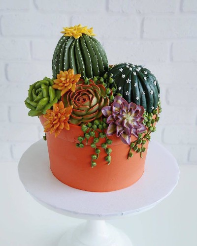 Cake Art Features Realistic Flowers Made from Buttercream Frosting