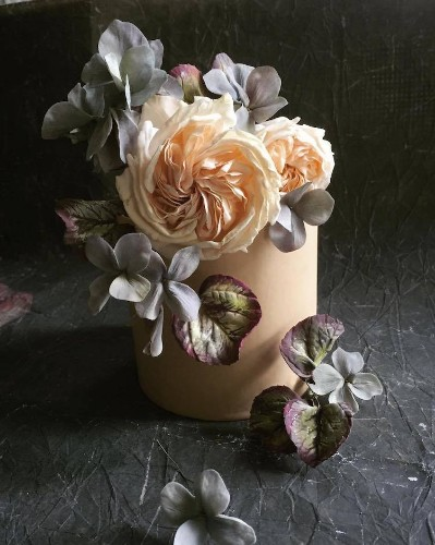 Ballerina-Turned-Pastry Chef Bakes Cakes with Incredibly Realistic Flowers Made of Sugar