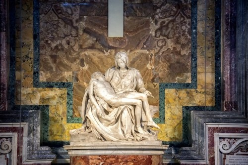 Exploring Michelangelo's 'Pietà,' a Masterpiece of Renaissance Sculpture