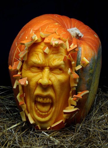 Pumpkin Sculpting Master Turns Ordinary Gourds Into an Expressive Cast of Characters