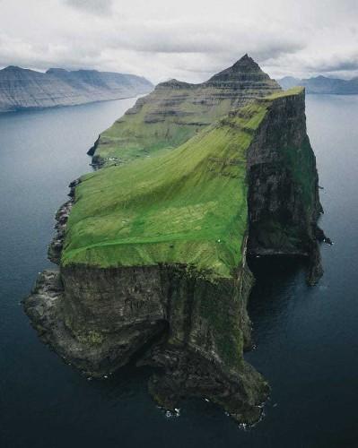 Travel Photographer Reveals the Dreamlike Tranquility of the Desolate Faroe Islands