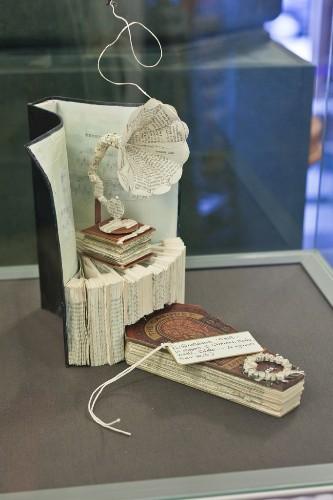 Mysterious Book Sculptures Pop Up in Edinburgh