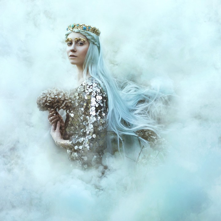 Behind the Lens: Bella Kotak Creates a Fairytale World Through Breathtaking Nature-Inspired Portraits