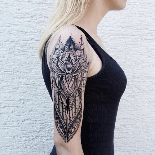Meticulously Elegant Tattoos Created with Thousands of Intricate Dots