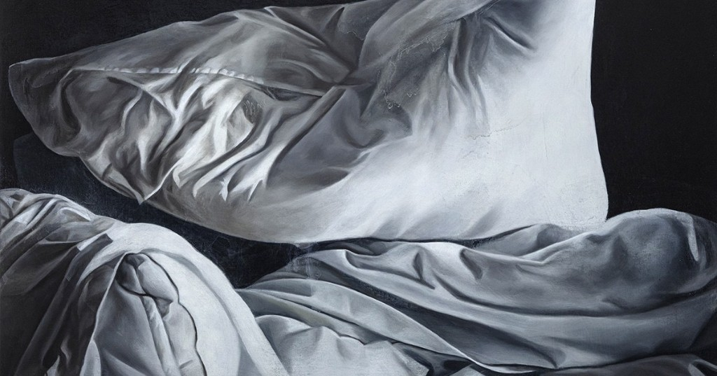 Photorealistic Oil Paintings of Empty Unmade Beds Capture Feelings of Grief and Isolation