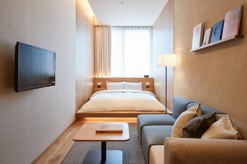 Diseño simple y sustentable convierte a este hotel de Tokio en un sueño minimalista