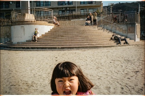 Photographer Dad Captures Daily Moments of Magic With His Three Daughters