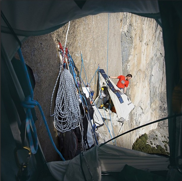 Yosemite Free Climbers Successfully Scale Summit While Documenting the Journey Through Social Media