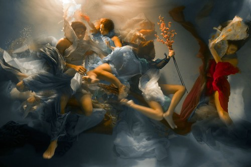 Dynamic Underwater Photos Look Like Dramatic Baroque Paintings