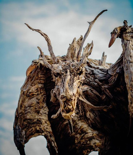 Artist Transforms Driftwood into Stunning Sculptures of Animals in Motion