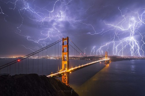 Photographer Captures Striking Photo of Golden Gate Bridge Surrounded by Lightning