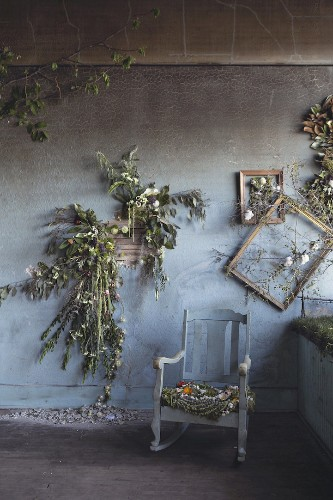 Abandoned Detroit House Gets Adorned with 4000 Flowers