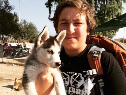 17-Year-Old Syrian Refugee Walks over 300 Miles Carrying His Beloved Puppy