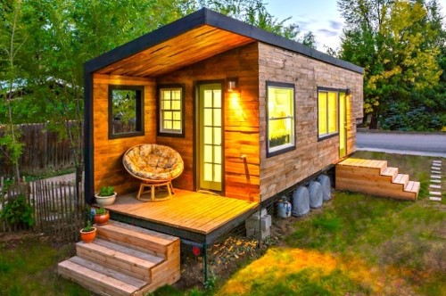 Architect Bypasses Mortgage Payments, Builds a Tiny Home