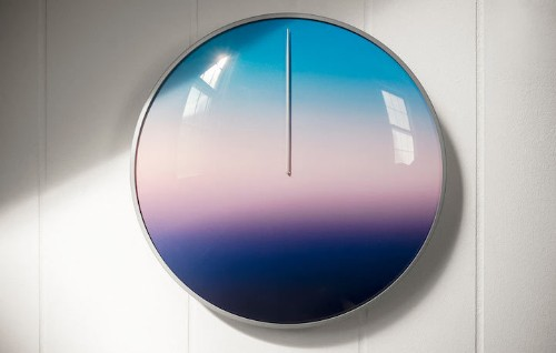 Soothing 24-Hour Clock Without Numbers Tracks Your Day By the Colors of the Sky