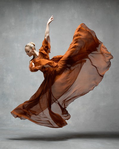 Stunning Photo Series Spotlights the Graceful Movements of Dancers