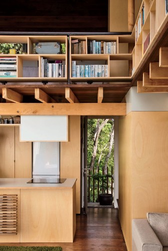 Seaside Home Uses Japanese Design to Foster Grandiose Space from 538 Square Feet