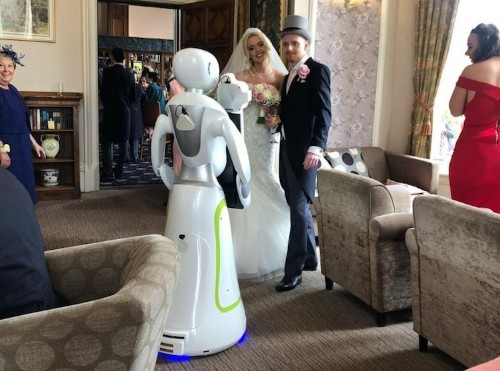 This Couple Hired a Robot Photographer for Their Wedding Day