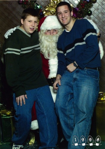 Two Brothers Take Annual Photos with Santa for 34 Years