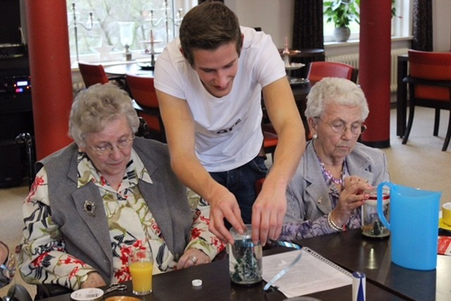 Dutch Retirement Home Offers Free Rent to Students in Exchange for Neighborly Interaction