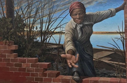 Interview: Powerful 3D Mural of Harriet Tubman Reaching Out a Helping Hand