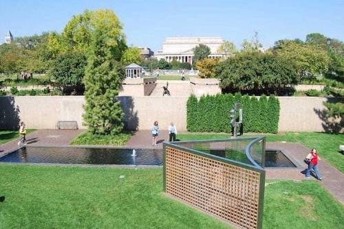 6 Museums with World-Class Sculpture Gardens